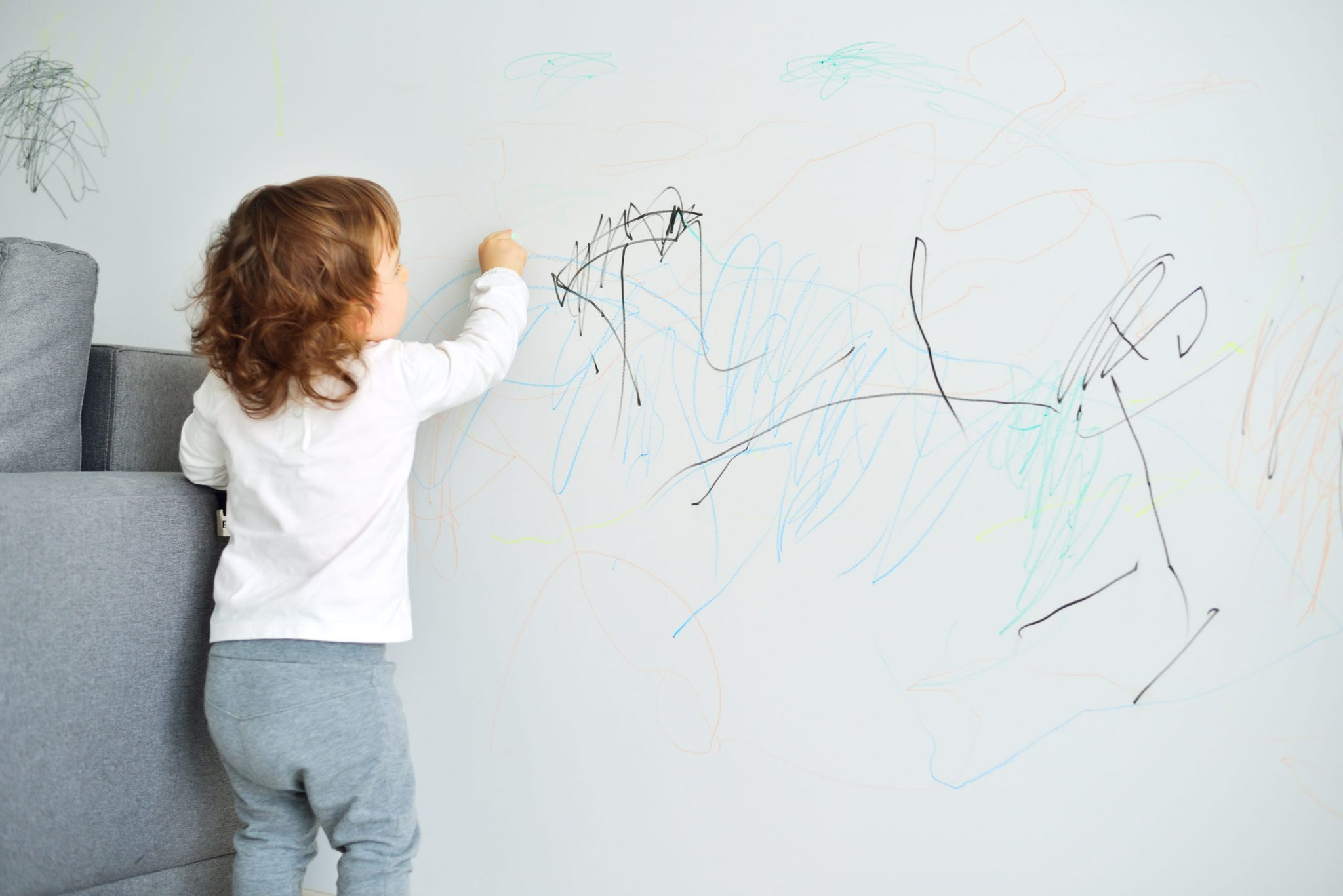 Erase The Marker Or Crayon On Your Walls Using Only WD-40