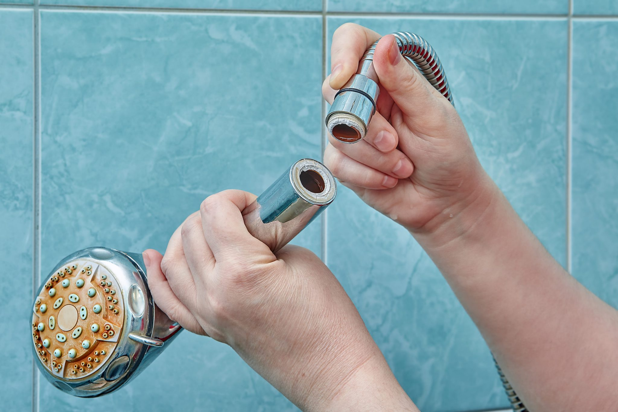 Bath Your Shower Heads With Vinegar